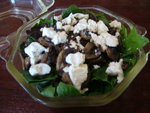 garlic mushrooms with spinach and goats cheese