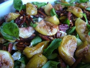 honey roasted figs and pecans with feta salad